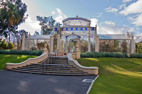 adelaide-city-tours-central-market-botanic-gardens-victoria-square-to-lights-lookout-unley-park-spring-field