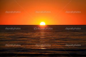 - - - depositphotos_2270830-Setting-Sun-on-Ocean-Horizon 866 x 579